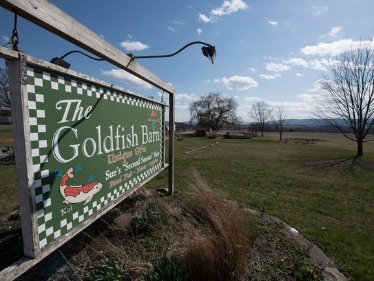 The Goldfish Barn, at Lincoln Way West, Fort Loudon,