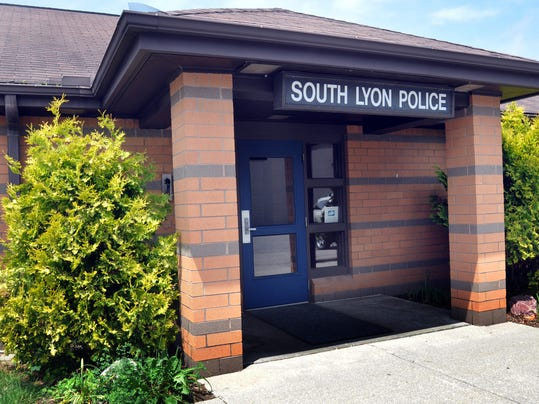 SLH South Lyon City Police Building.jpg