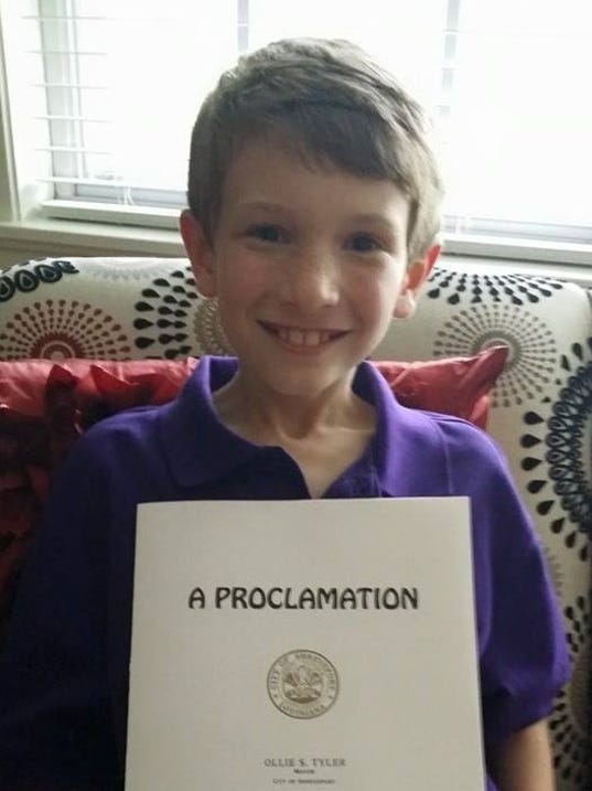 635944257693145581-Joey-with-his-proclamation.jpg