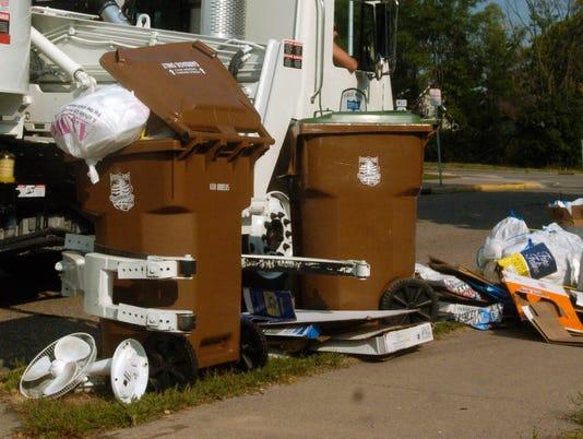 spj 0903 Garbage_01
