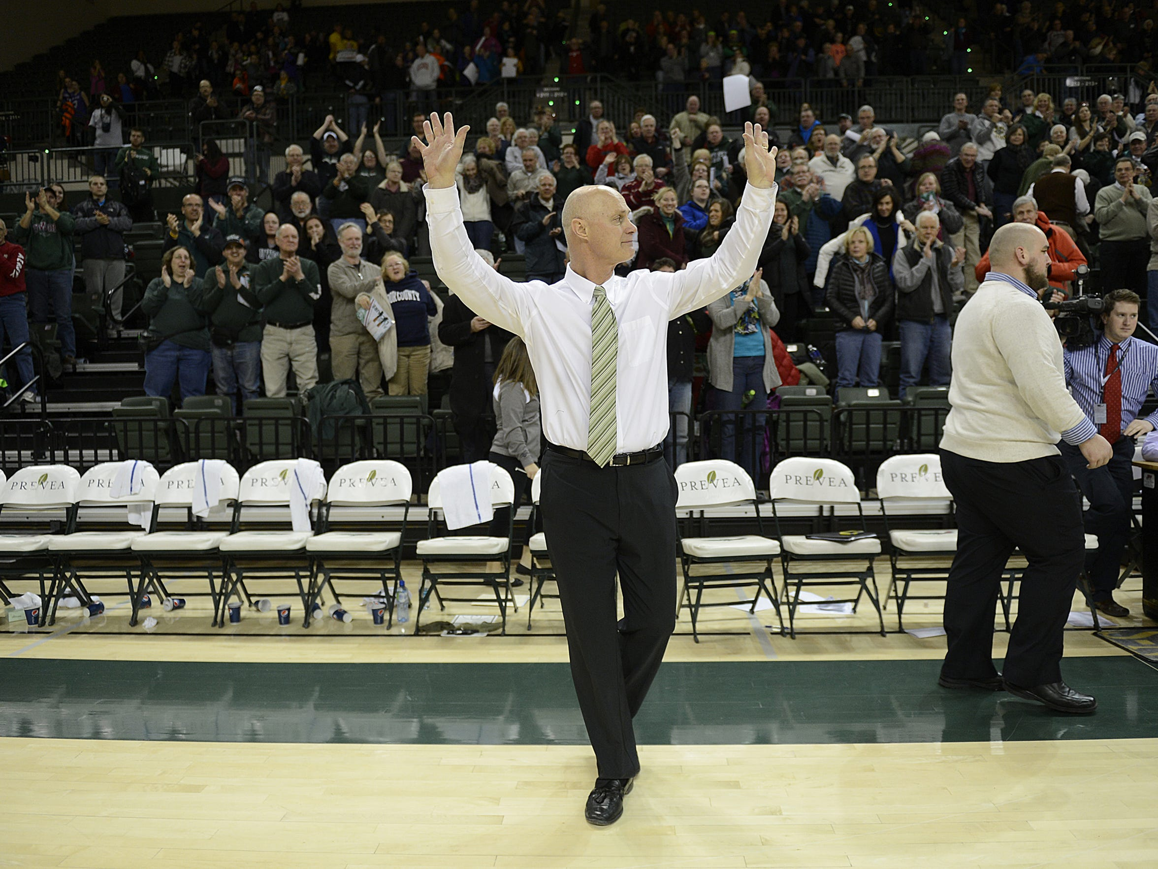 Kevin Borseth and the UWGB women's basketball team advanced to another NCAA tournament in 2015.