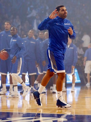 Drake practices with the Kentucky Wildcats team during Big Blue Madness at Rupp Arena.