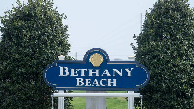Bethany Beach welcome sign on Rt. 1.