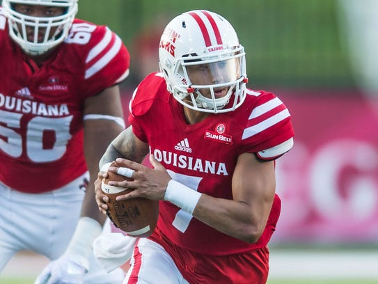 Ragin' Cajuns backup quarterback Andre Nunez (7) will