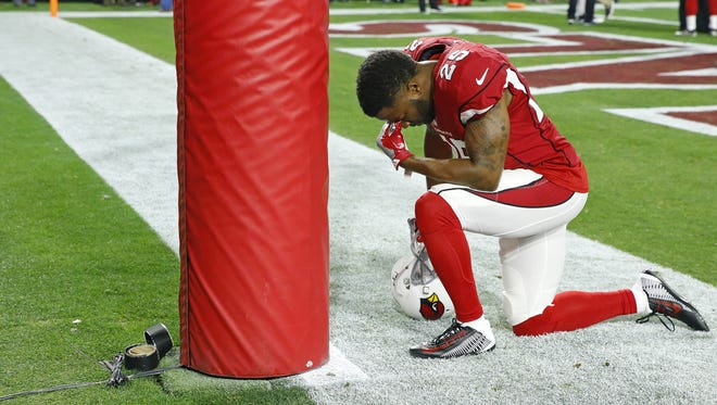 Arizona Cardinals cornerback Jerraud Powers (25) pauses prior  to their divisional playoff game against the Green Bay Packers Saturday, Jan. 16, 2016 in Glendale, AZ