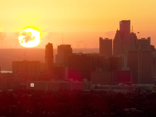 The skyline of Detroit at dawn from the 3-minute, 40-second