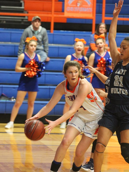 636483701403057195-CHS-girls-vs.-Shoemaker-1st-half-2017-065.JPG