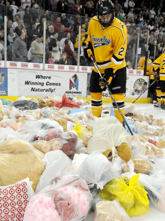 Gamblers_Teddy Bear Toss