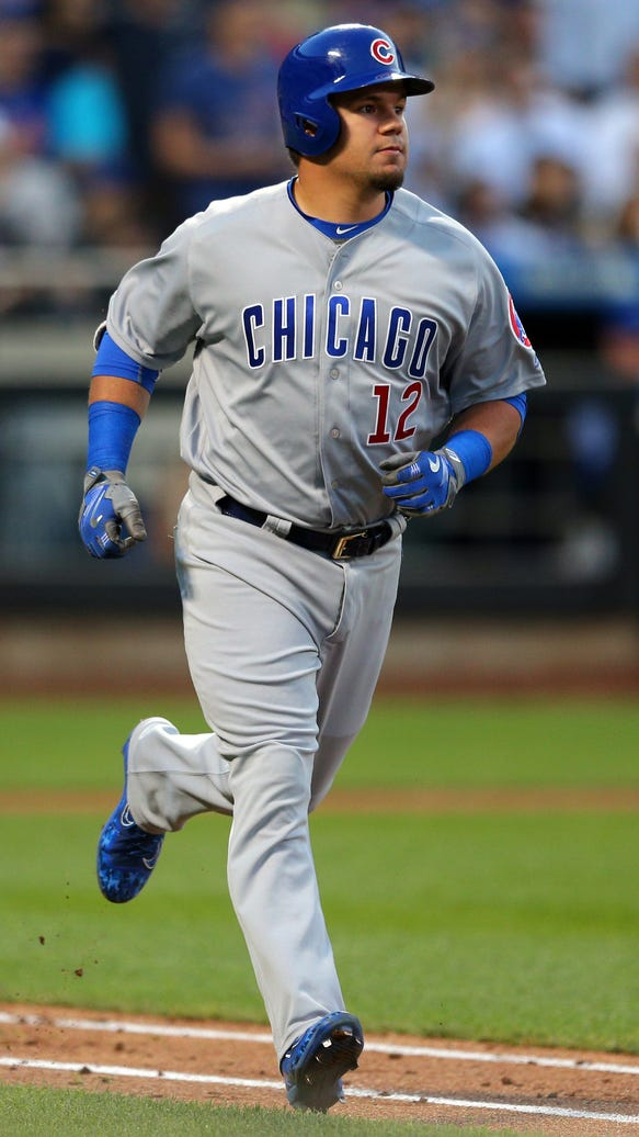 Kyle Schwarber looks different after losing weight