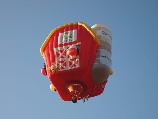 BAL-balloon-photo-QuickChek-Farmhouse-in-flight.JPG