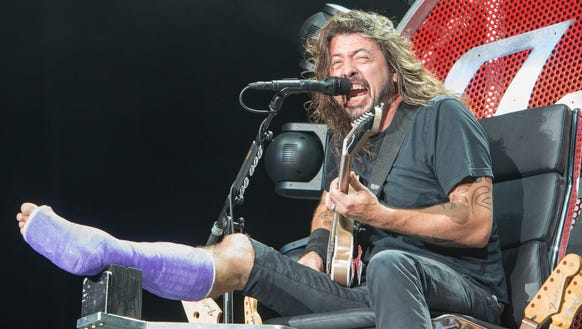 Is Dave Grohl S Throne On Loan To Axl Rose