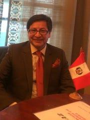 Aldo Castañeda, asesor legal de la Asociación de Peruanos