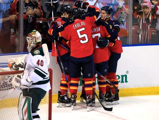 USP NHL: MINNESOTA WILD AT FLORIDA PANTHERS S HKN USA FL