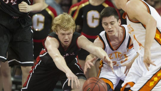 Tempe Corona del Sol's Alex Barcello (center, white