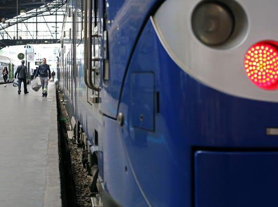 AP_France_Trains_Too_Big