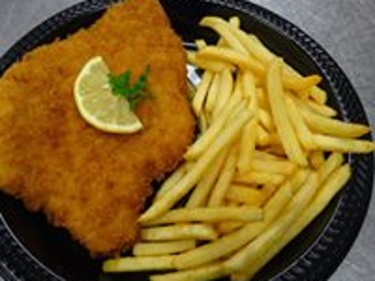 GruJo's Schnitzel with Fries plate.