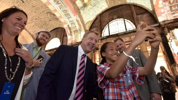 Howes: Ford depot move signals 'Detroit is open for business'