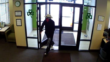 Reno police search for bank robber wearing Wolf Pack sweatpants, red bandanna