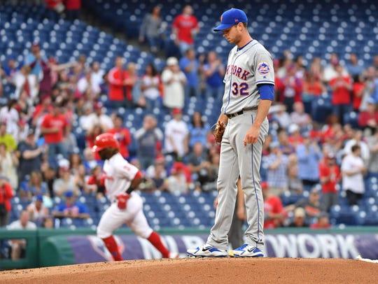 New York Mets starting pitcher Steven Matz (32) waits