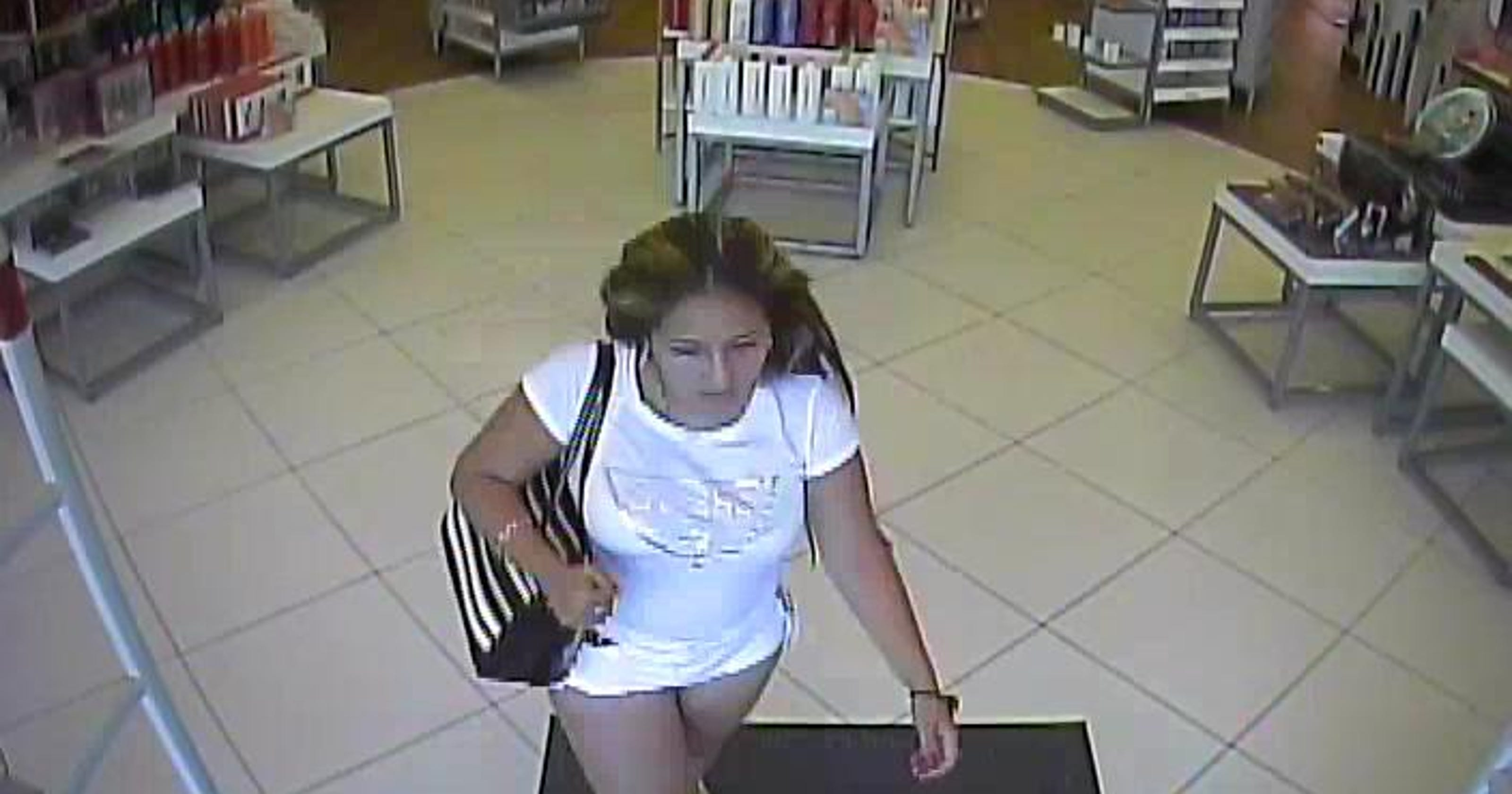 176e7611 4 accused of $2K+ beauty store theft