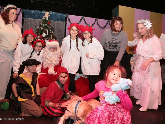 Villagers Theatre's KidsVill Matthew Program presented its Christmas Pan 2016 production.