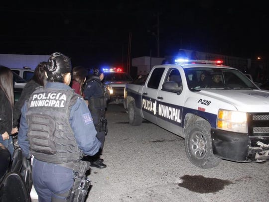 Juárez police detained more than 400 teens at a house