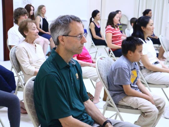 The center has been offering the free non-religious English meditations to the public since 2003.