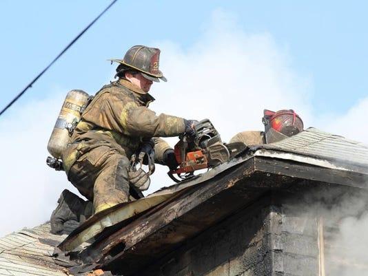 636415886071295414-DFP-firefighters-sto-3-1-1E8SQ3C2-L504290989.JPG
