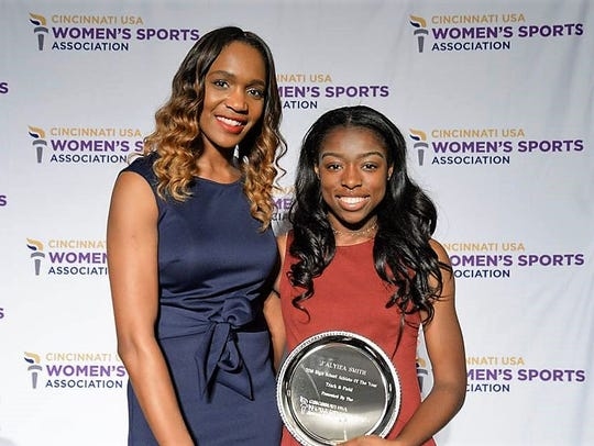 J'Alyiea Smith met former Olympic gold medal winner
