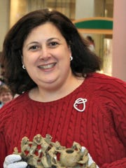 "Lori Verderame, known as ""Dr. Lori,"" will appraise"