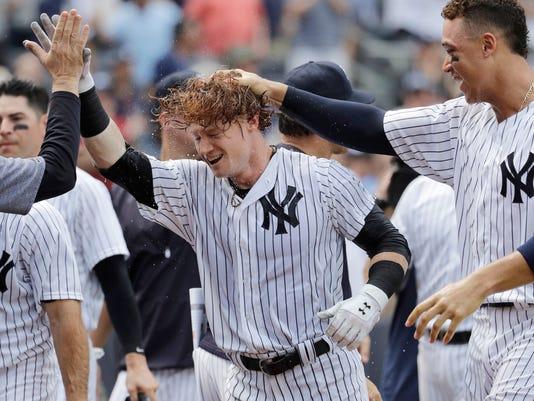 636351271274634526-APTOPIX-Brewers-Yankees-Baseball-16201497.JPG