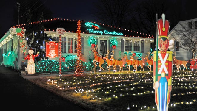 It's time to enter Vineland's Holiday Lighting Contest. The entry deadline is Dec. 16.