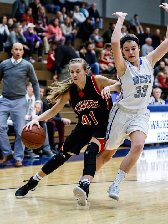 PHS WKNW Girls Basketball 8673