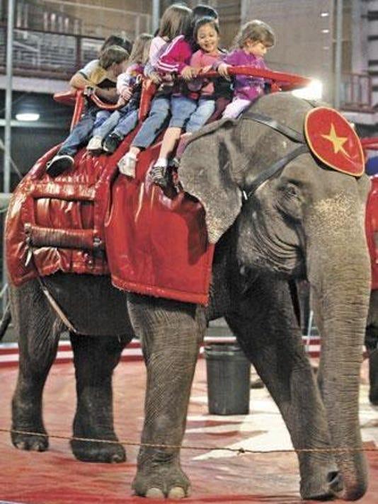 -Shrine Circus elephant.JPG_20080407.jpg