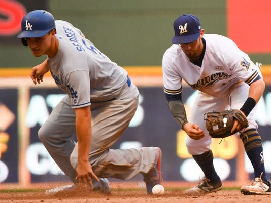 Brewers drop the ball in the ninth inning