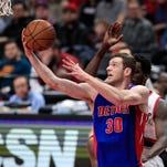 Detroit Pistons' Jon Leuer out vs. Kings, could miss more time