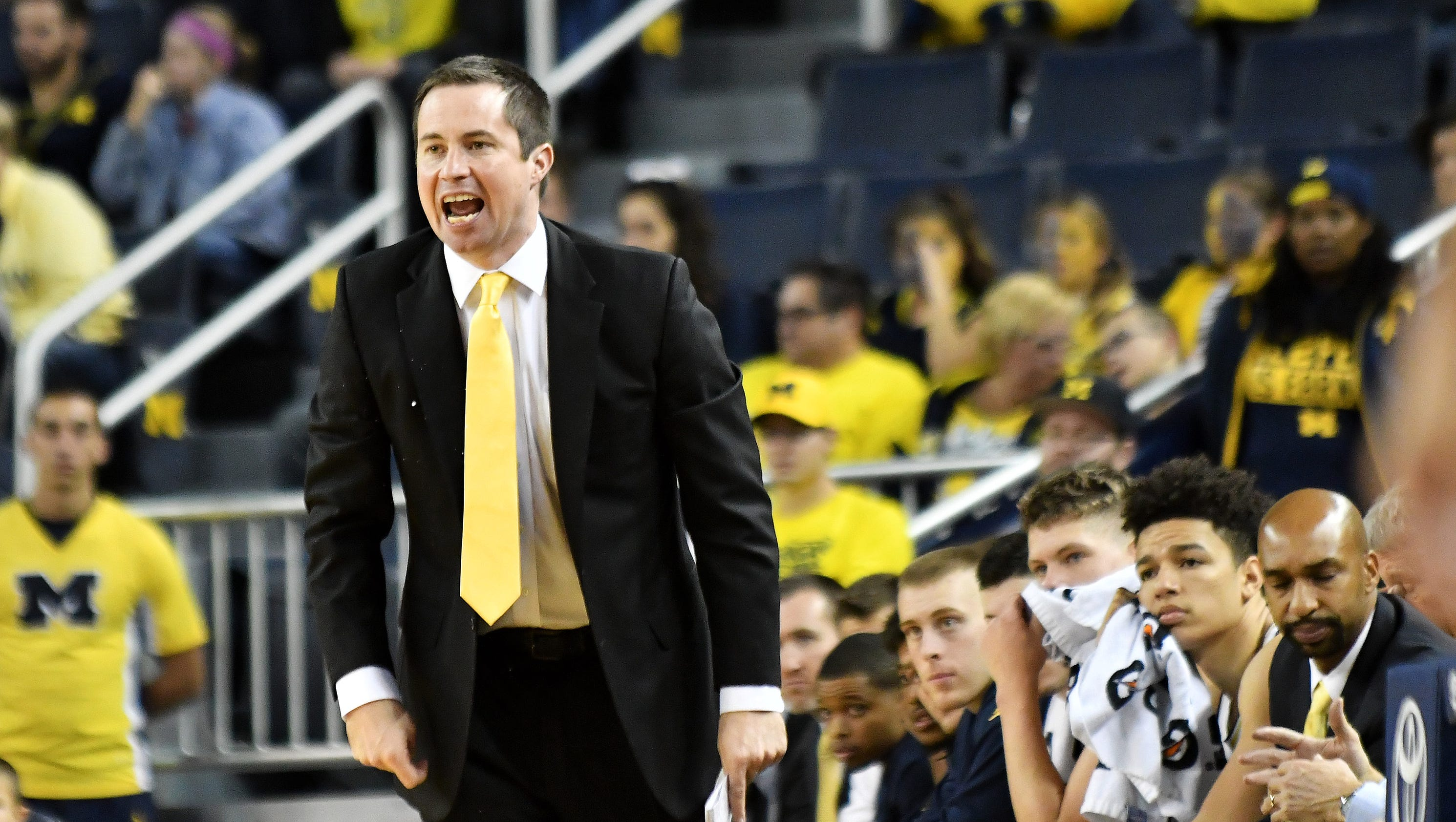f63eeb88b Assistant coach Billy Donlon is leaving the Michigan basketball program  after one season to take a similar position at Northwestern, according to  Brian Snow ...
