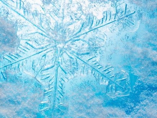 635906069713297671-snowflake.jpg