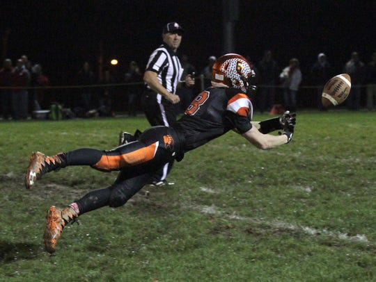 Lucas receiver Kaiden Thomas lays out for a deep ball