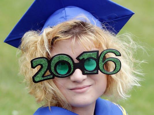636007516854743451-she-n-Sheboygan-Graduation-0605-gk-23.JPG