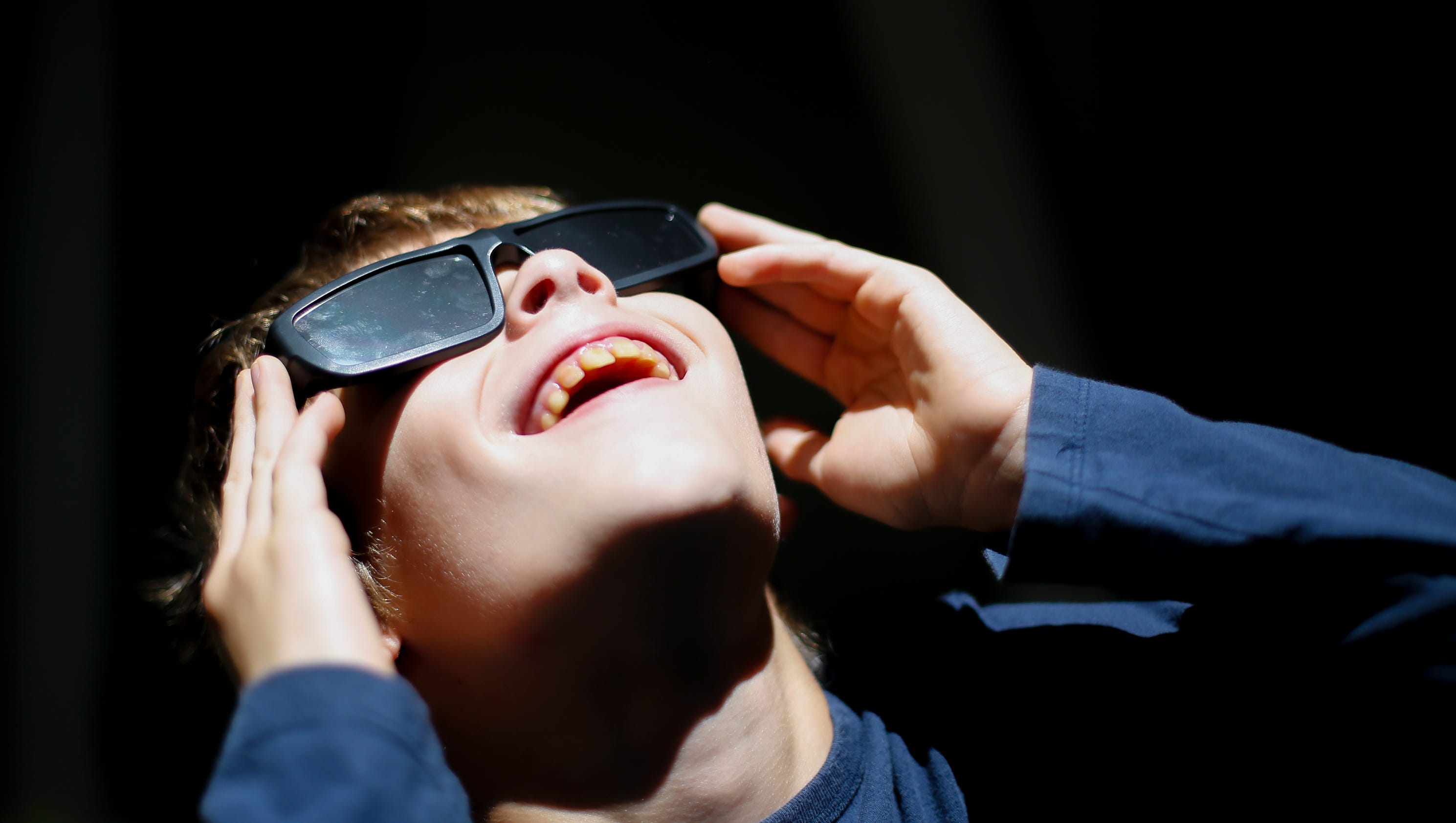 how to know if my solar eclipse glasses are safe