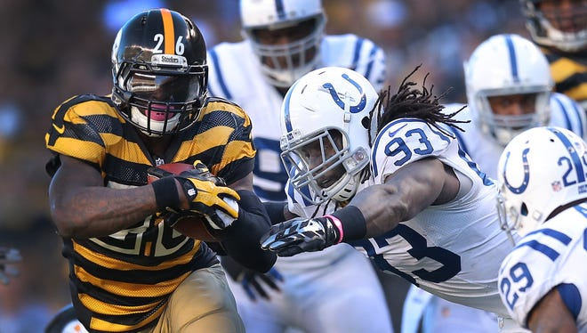 Indianapolis Colts Erik Walden, shown trying to tackle Pittsburgh's LeVeon Bell, said he will return from injury Sunday.