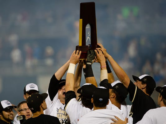 NCAA Baseball: College World Series-Vanderbilt vs Virginia