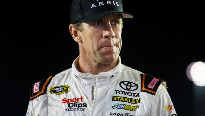 Carl Edwards eyes his first championship in the Sprint Cup finale.