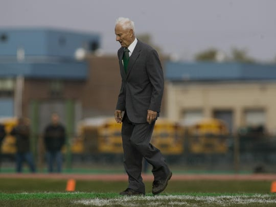 Thanksgiving Day football- Brick Memorial at Brick High School. Head coach Warren Wolf. Doug Hood- Brick, NJ- 11.27.08 (#44257)