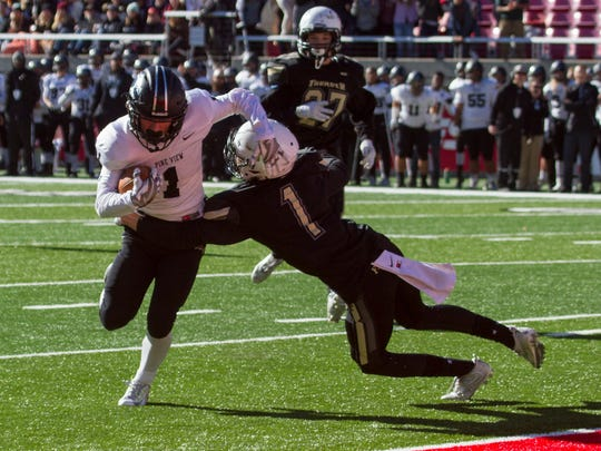 Desert Hills High snags a 28-27 victory over Pine View in final play of the football state championship game at the University of Utah Friday, Nov. 18, 2016.