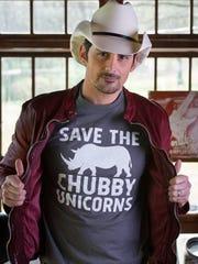 Brad Paisley models a cheeky T-shirt.