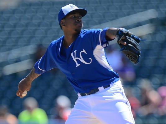 reputable site d2725 9d898 Royals young ace Yordano Ventura gets $23M, 5-year contract