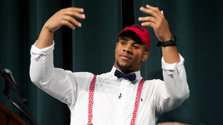 Recruits show off swagger, bizarre fashion on Signing Day