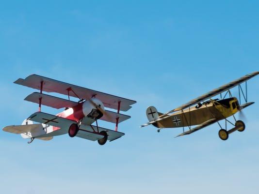 636209465971712578-Fokker-Dr-1-and-D-7.jpg